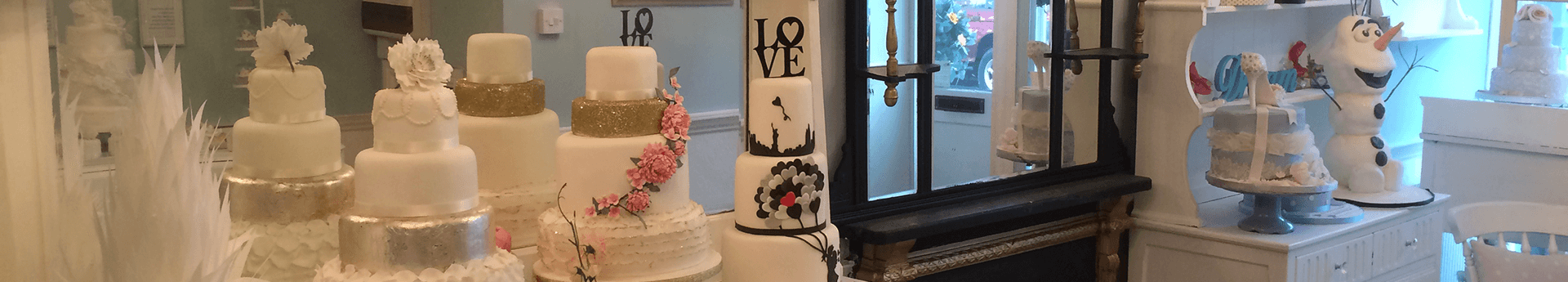 A guide to ordering your wedding cake: what to ask and when