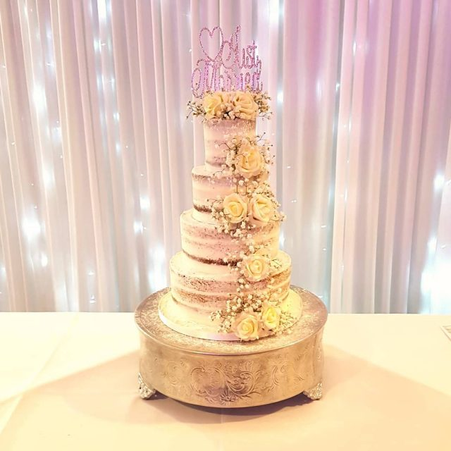 Proof that semi naked cakes can still be glam! Thishellip